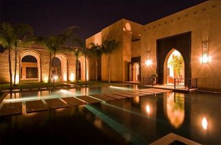 Moroccan-villa-outdoor-architectural-lighting